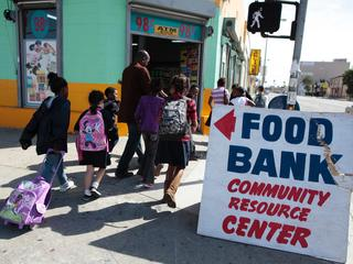 Poverty-hunger-food-bank-29305915.jpg
