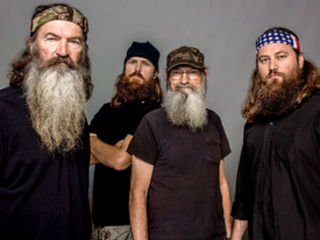 Duck Dynasty Cast Releasing Quot Duck The Halls A Robertson Family ...