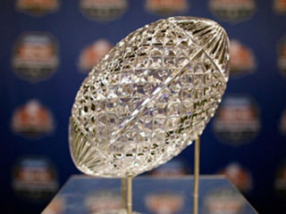 college_football_trophy_1356802133489.jpg