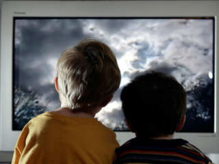 kids_watching_tv_AP_1361191671912.jpg