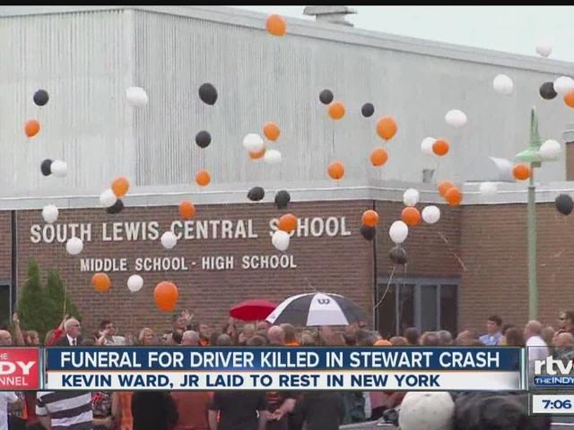 Praise for 39 small town boy 39 hit by stewart 39 s car for Abc cuisine esch