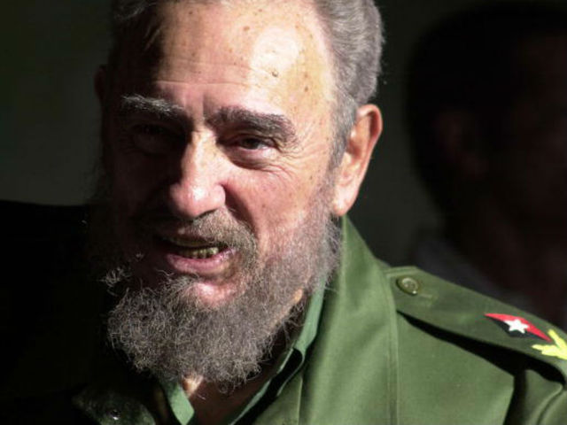 Fidel Castro, who defied US for 50 years, dies at 90 in Cuba - 10News