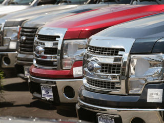 US auto sales fall 4 percent in August