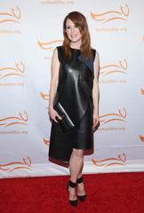 OSCARS: Julianne Moore's red carpet looks
