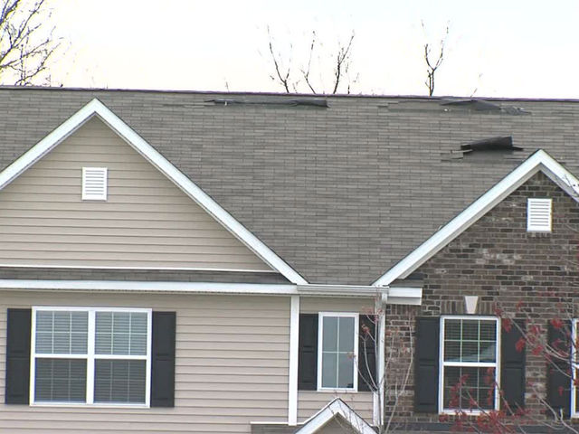 Beazer Homes Owners Say Roofs Can T Stand Up To Strong