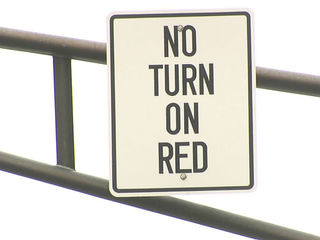 Indy mulls downtown ban on right turns on red