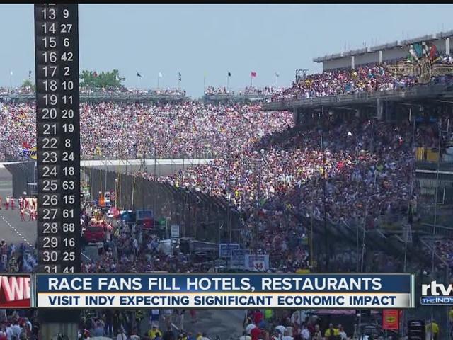 Race fans fill hotels, restaurants
