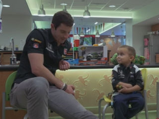 Riley kid gives Rossi great advice before race