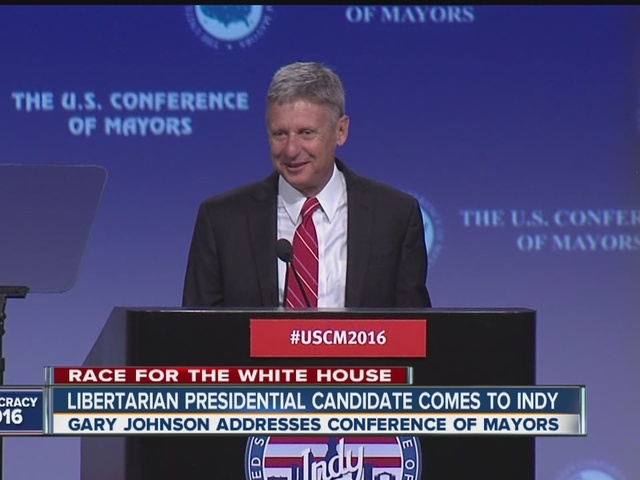 Libertarian presidential candidate Gary Johnson visits Indianapolis