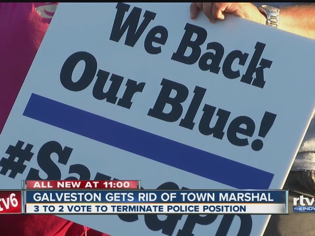 Galveston council votes to get rid of town marshal