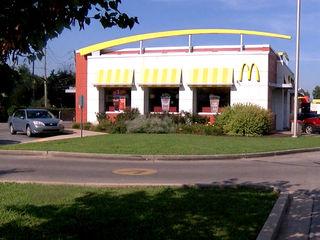 Women get violent with worker at McDonald's