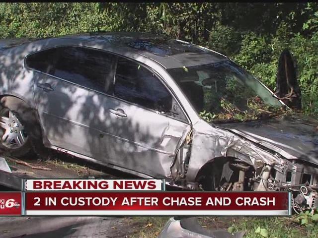 2 arrested after police chase, crash on NE side