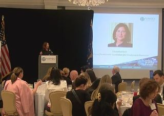 Gov. candidates address women business owners