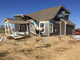 Natural gas explosion destroys Noblesville home