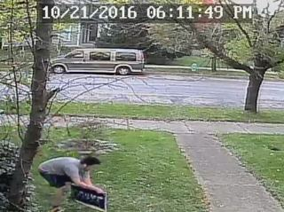 Homeowner confronts would-be Trump sign thief