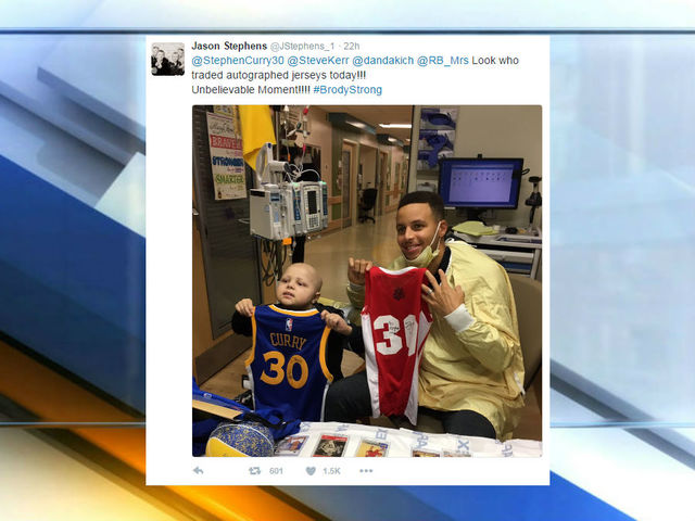 Stephen Curry trades autographed jerseys with young leukemia patient