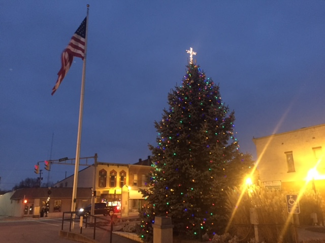 Town sued for placing cross on top of Christmas tree