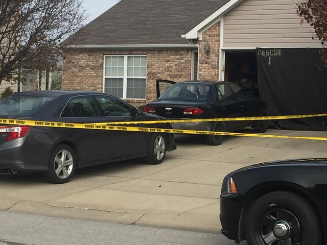 Greenwood police shoot, kill man with knife