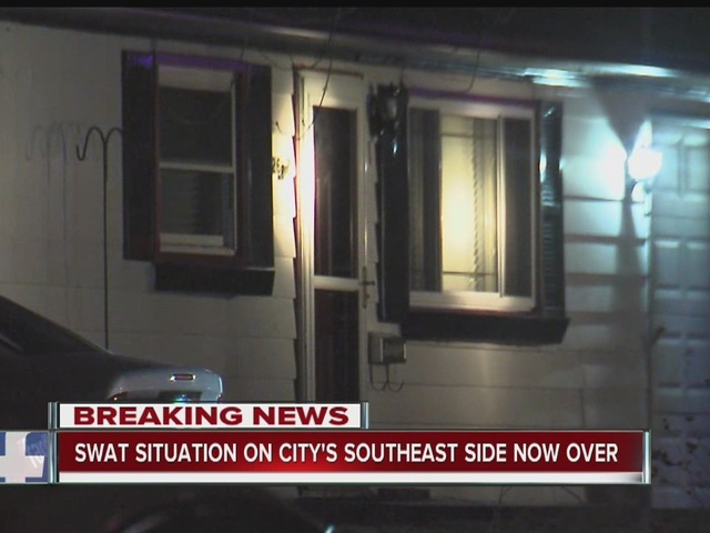 Police chase turns into SWAT situation on southeast side