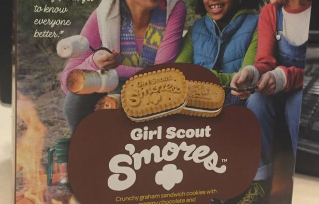 Girl Scout selling cookies robbed of $50 in Philadelphia