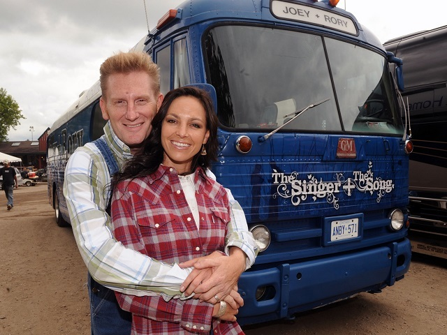 Rory Feek Dedicates Grammy Win To Late Wife Joey Feek