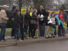 Muncie teachers protest proposed salary cuts