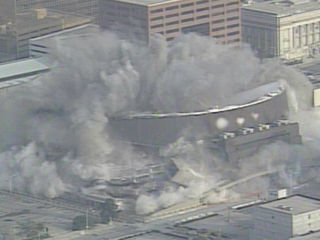 16 years ago: Market Square Arena implosion