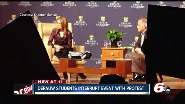 Protesters interrupt event at university featuring TV star Jenna Fischer