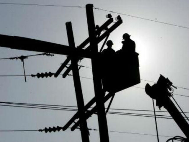 IPL says 5,000 without power due to high winds