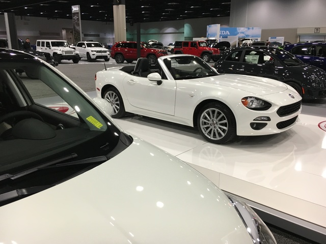 PHOTOS Preps For The Indy Auto Show V News Gallery - Car show in indianapolis this weekend