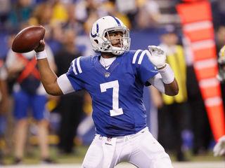 Colts QB stays in game despite head injury