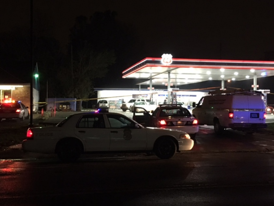 2 Killed In Shooting At Gas Station On Indy S North Side Theindychannel Com Indianapolis In