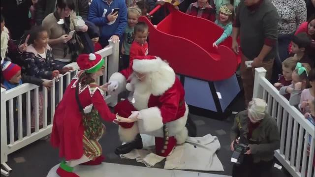 VIDEO- Santa arrives in Indianapolis by IndyCar- helicopter