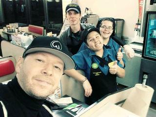 Celebrity gives Waffle House waitress huge tip