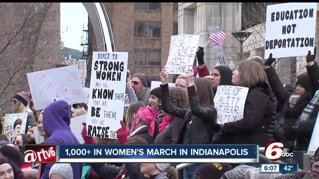 Hundreds gather for Women-s March and rally in downtown Indianapolis