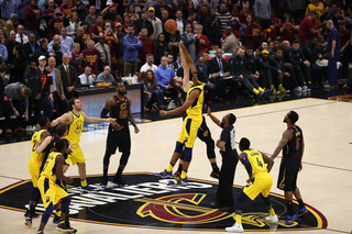 Pacers fall to the Cavs 95-98