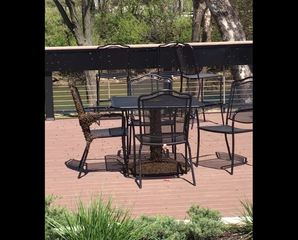 Bees swarm patio at Shelbyville taproom