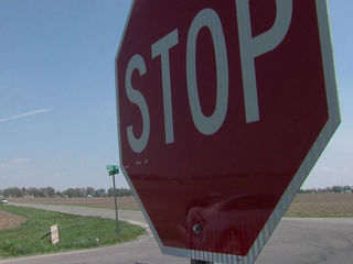 Ind. county to install solar-powered stop signs