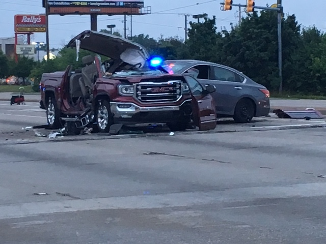 1 killed in crash on Indy's southeast side