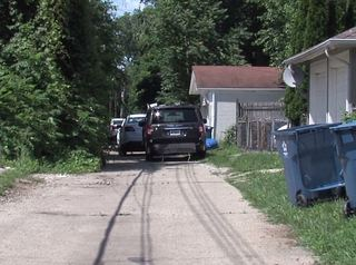 Person found dead in alley on Indy's north side