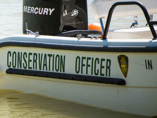 2 people hurt when boat hits tree in White Co.