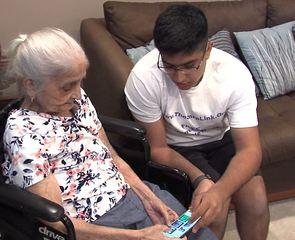 Teen helps Alzheimer's patients remember