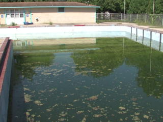 Muncie races to turn abandoned pool into park