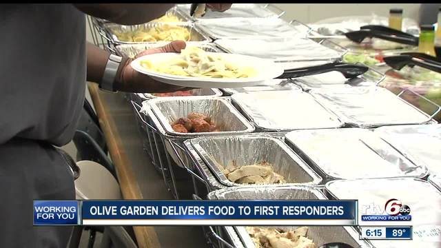 local nurses doctors and firefighters get treated to olive garden on labor day theindychannelcom indianapolis in - Olive Garden Indianapolis