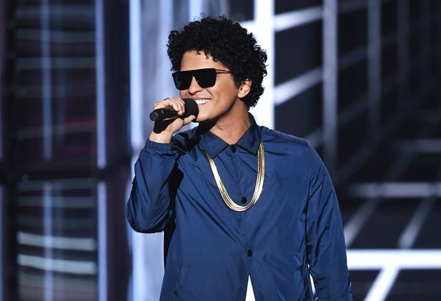 Police: Man pistol-whipped over Bruno Mars song