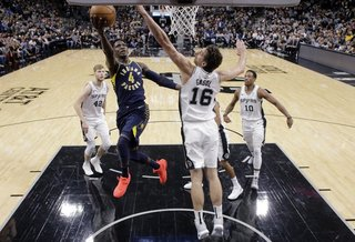 Oladipo scores 21 as Pacers rout Spurs 116-96