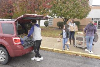 Wayne Twp. students help families in need